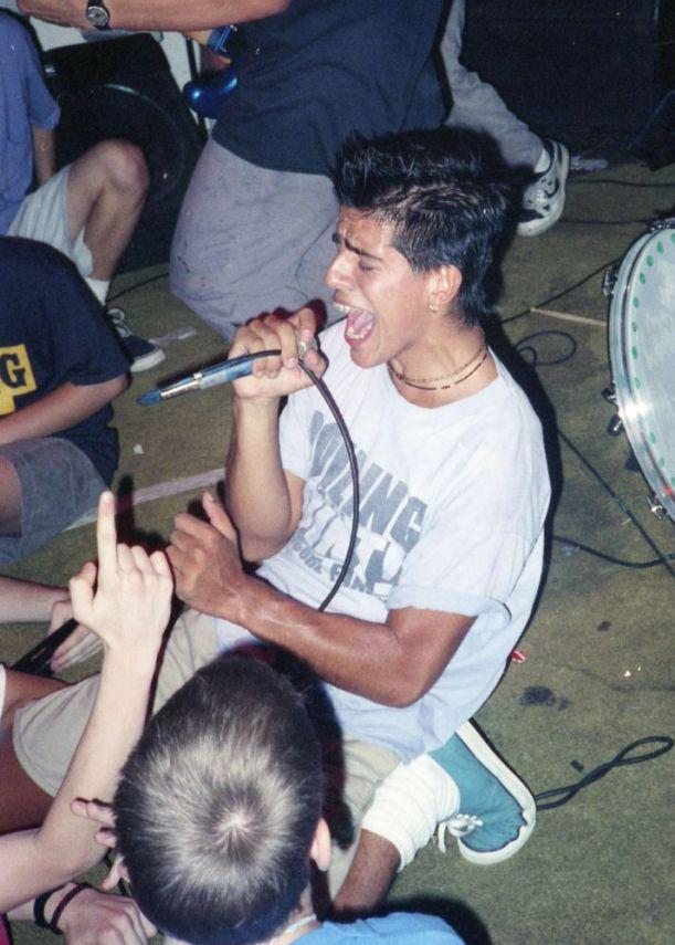 chain-bbqiguana-dc-1989